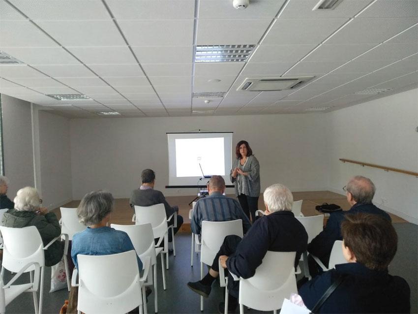 Concepción García Conde presenta el programa Hogar y Café