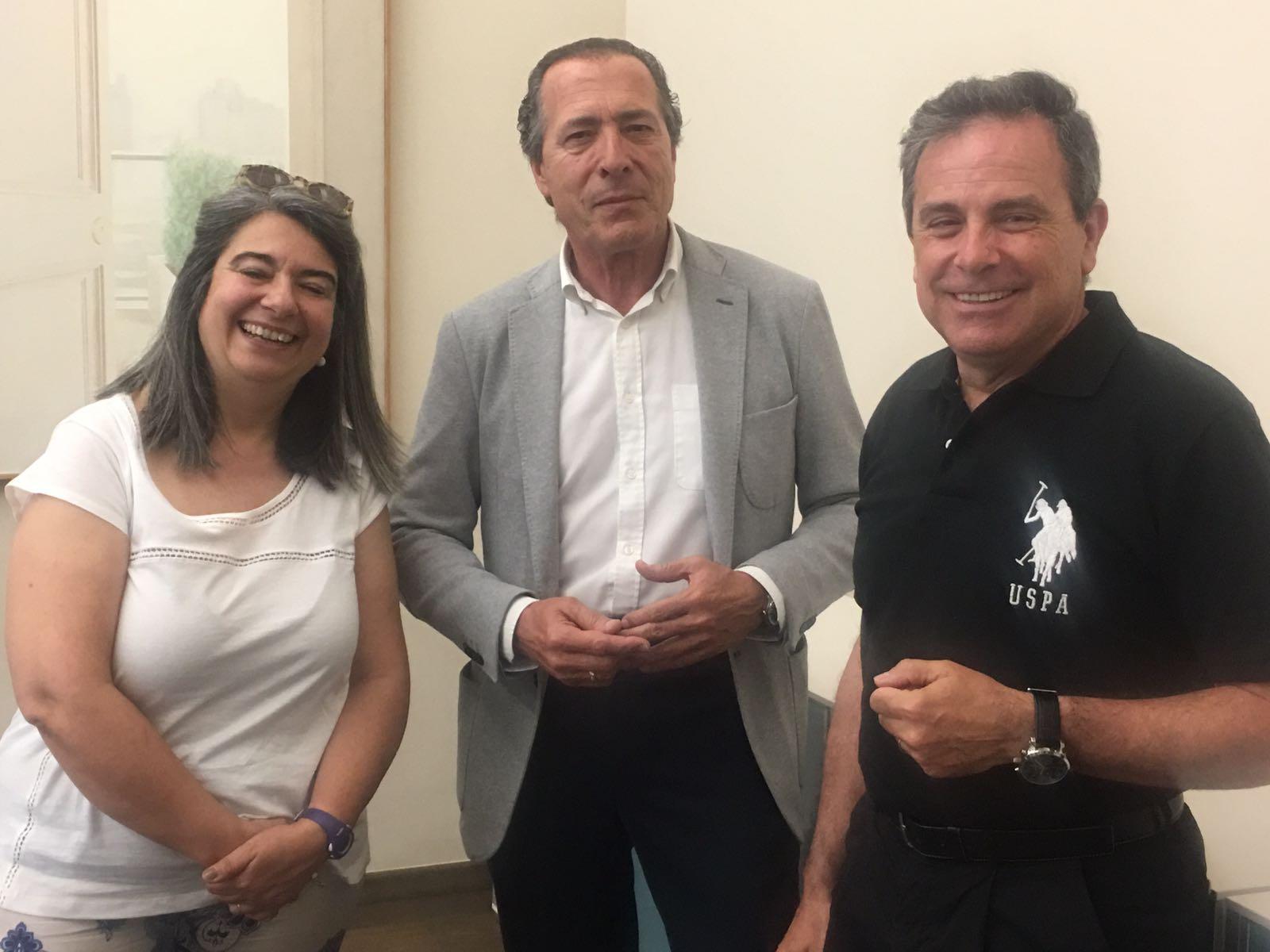 Miguel Zaragoza Fernández, diputado del Área de Bienestar de las personas de la Diputación de Alicante y José Ramón Martínez Riera, de la Asociación de Enfermería Comunitaria.