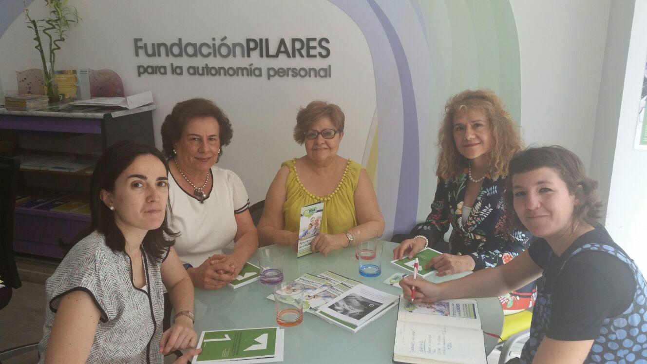 Pilar Rodríguez y componentes de Afadema