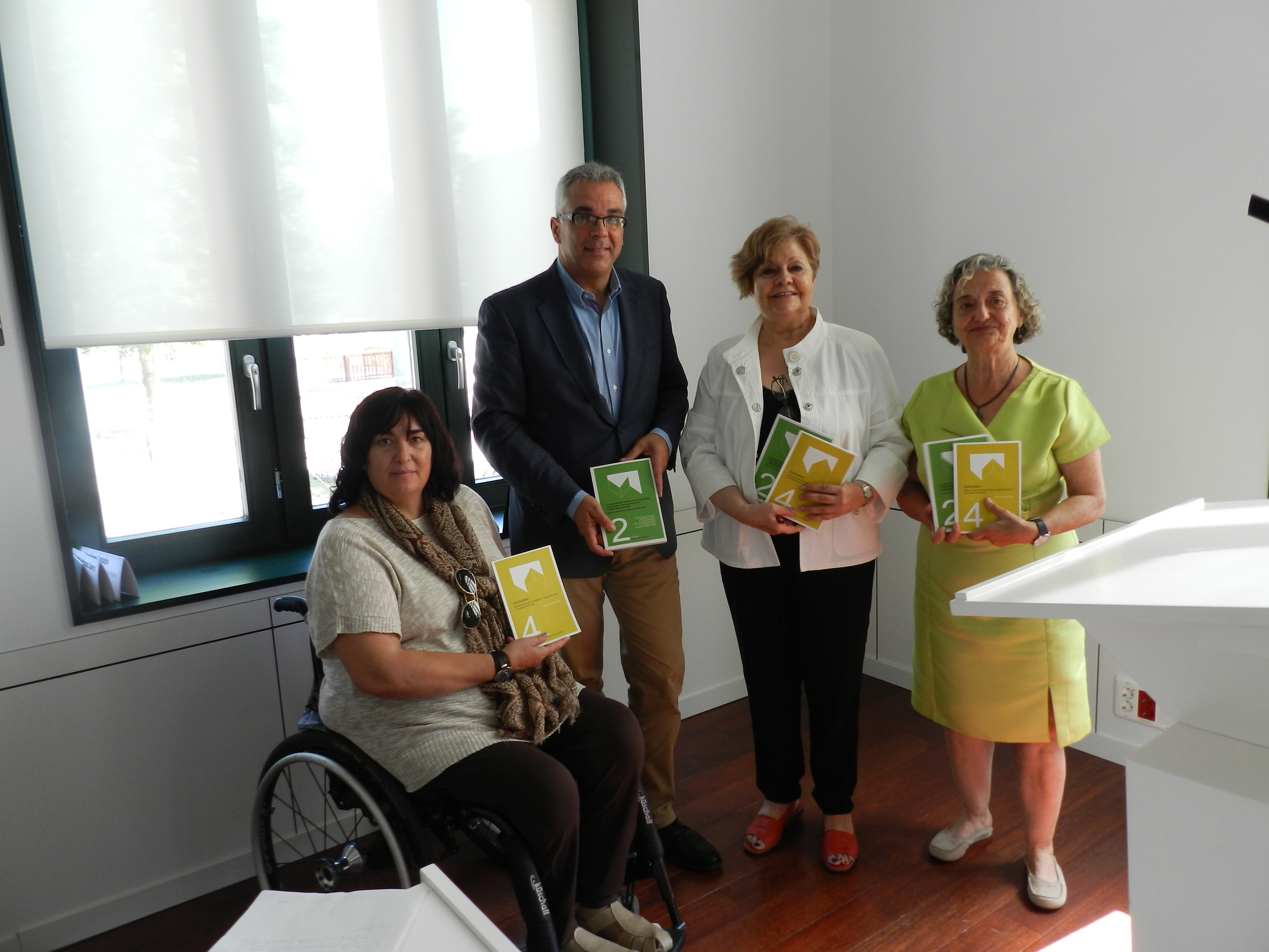 Mayte Gallego, Carlos Izquierdo, Pilar Rodríguez y Rosa Blanca Pérez